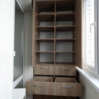 Мебель под заказ - шкаф на балкон